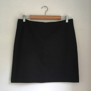 NWT New York & Co Stretch Black Skirt Sz 10